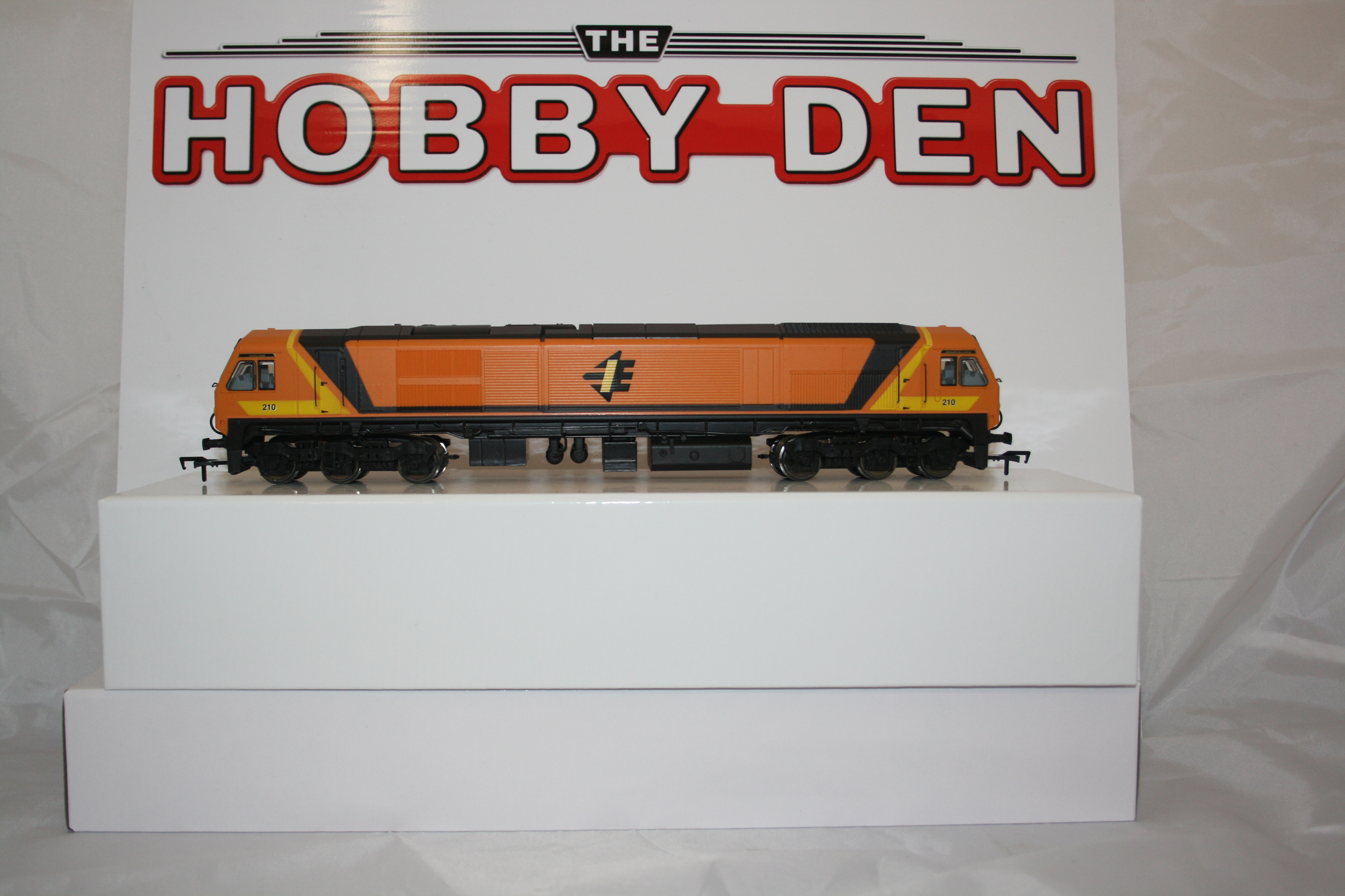 OO Scale Class 201 No. 210 River Erne new livery