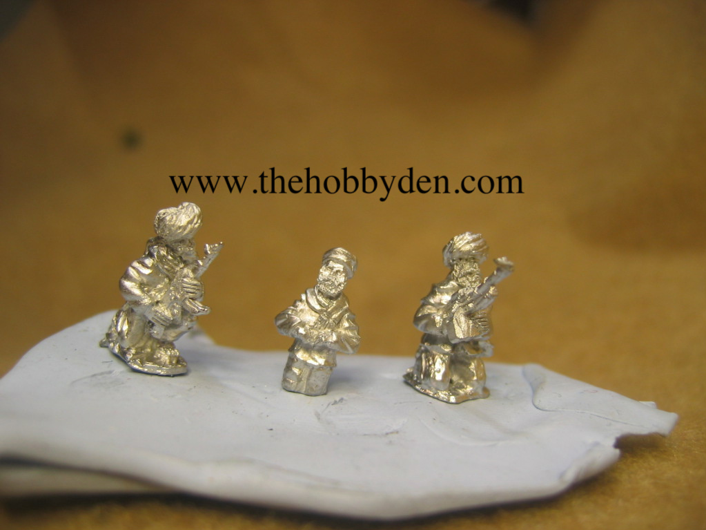 Afghan Tank commander [1/2 figure] and 2 tank riders AFG 12