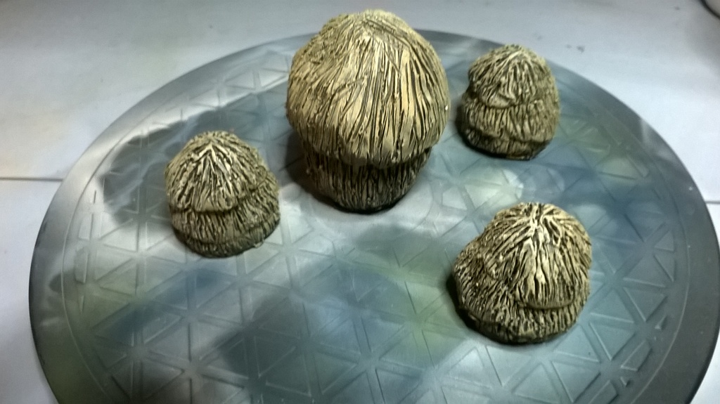 1/72 Hay Stacks set