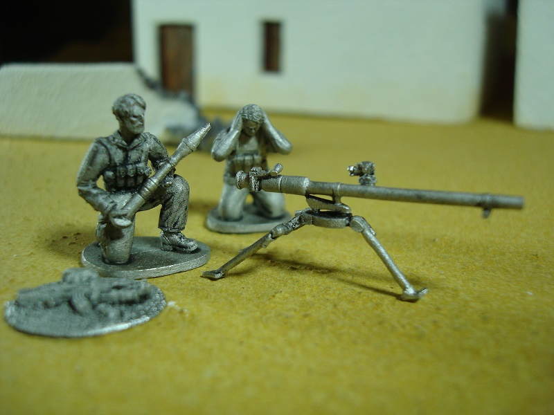 1/72 JVP06-01 Arab militia with recoiless gun